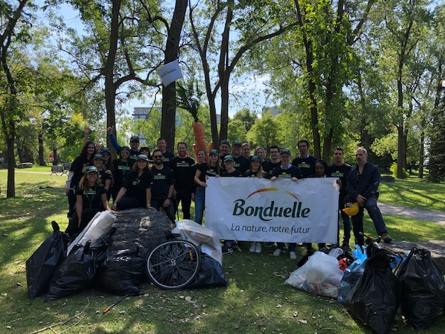 Les collaborateurs BONDUELLE engagés pour le World Cleanup Day