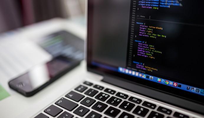 Défi de l'éducation pour tous : SILULO ULUTHO TECHNOLOGIES et ses cafés internet