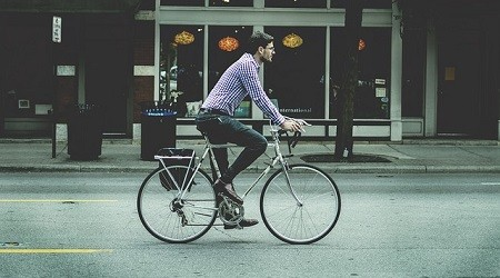 A good corporate citizen, JC DECAUX develops an environmentally-friendly offer of self-service bicycles in cities