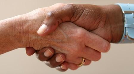 Les principales entreprises du syndicat national des boissons rafraichissantes signent un accord collectif dans le cadre du programme national pour l'alimentation